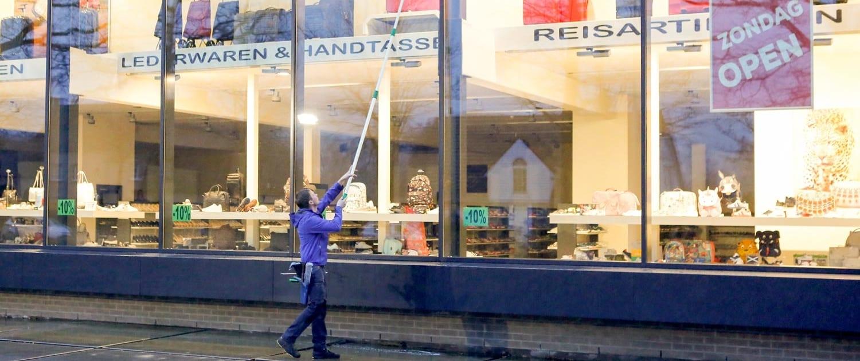 Cleaning Brothers bij Schoenwinkel Framandi
